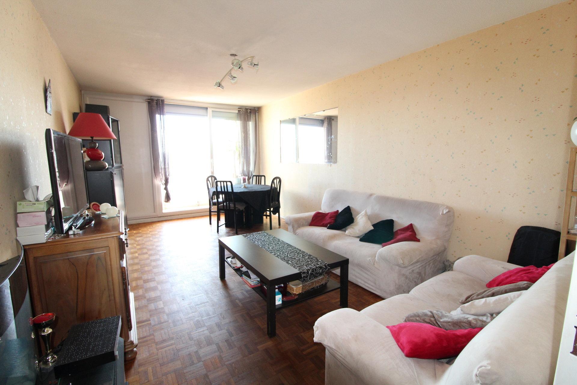 Appartement Saint-Etienne / Bergson 5 pièces 100m2 avec balcon et garage