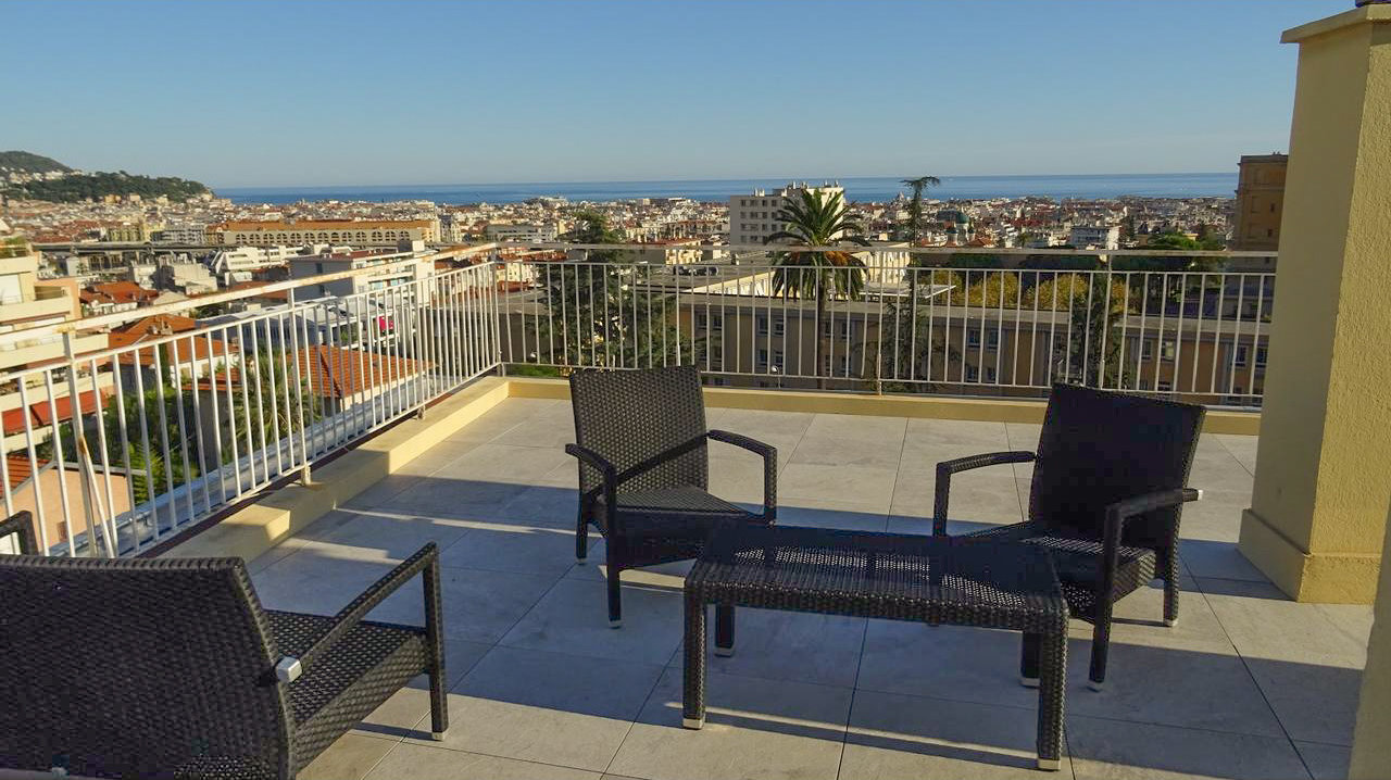 Penthouse with terrace and sea views - Nice Parc Imperial