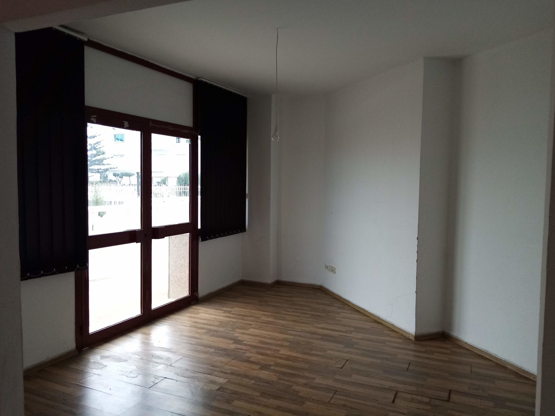 open space 86m² lac 1