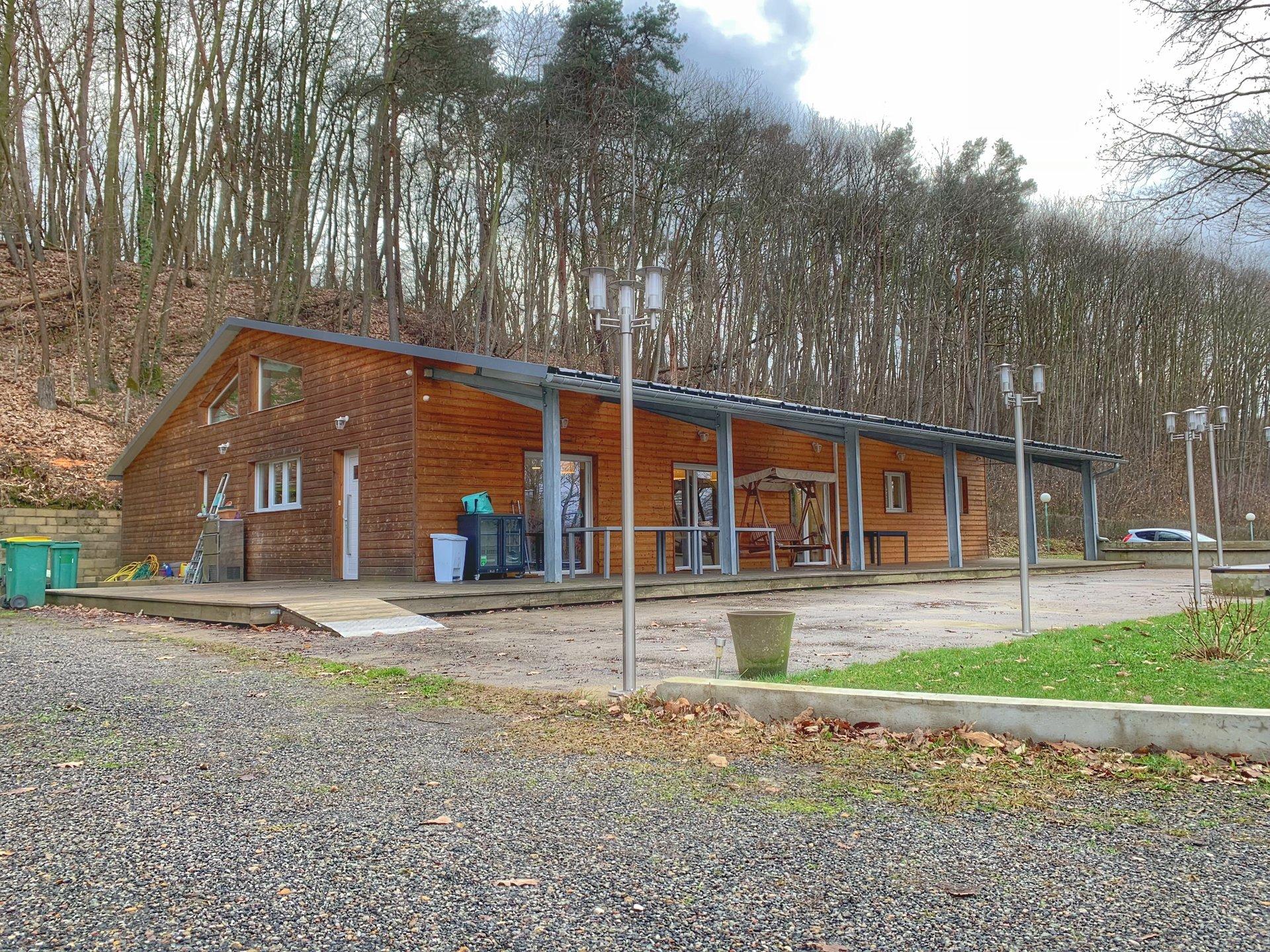 Chalet atypique - 263 m² - Saint-Rémy-l'Honoré