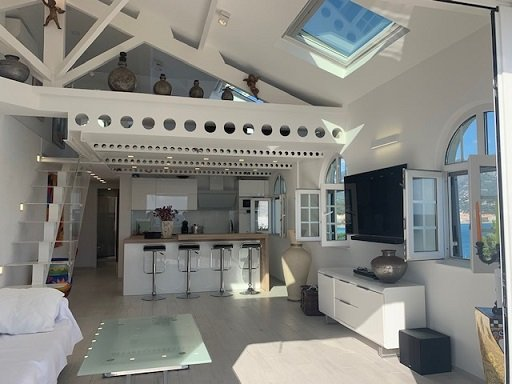 EXCLUSIF- Bien d'Exception- Pointe du Cap Martin- Loft de standing avec vue féérique mer- Terrasse- Possibilité Grand Garage- Piscine- Tennis