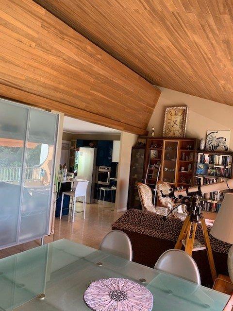 EXCLUSIF- GARAVAN-Duplex Style Villa-186m²- Terrasses-Balcons-Jardinet-Vue superbe Vieille Ville et Mer- Parkings-Cave-Combles