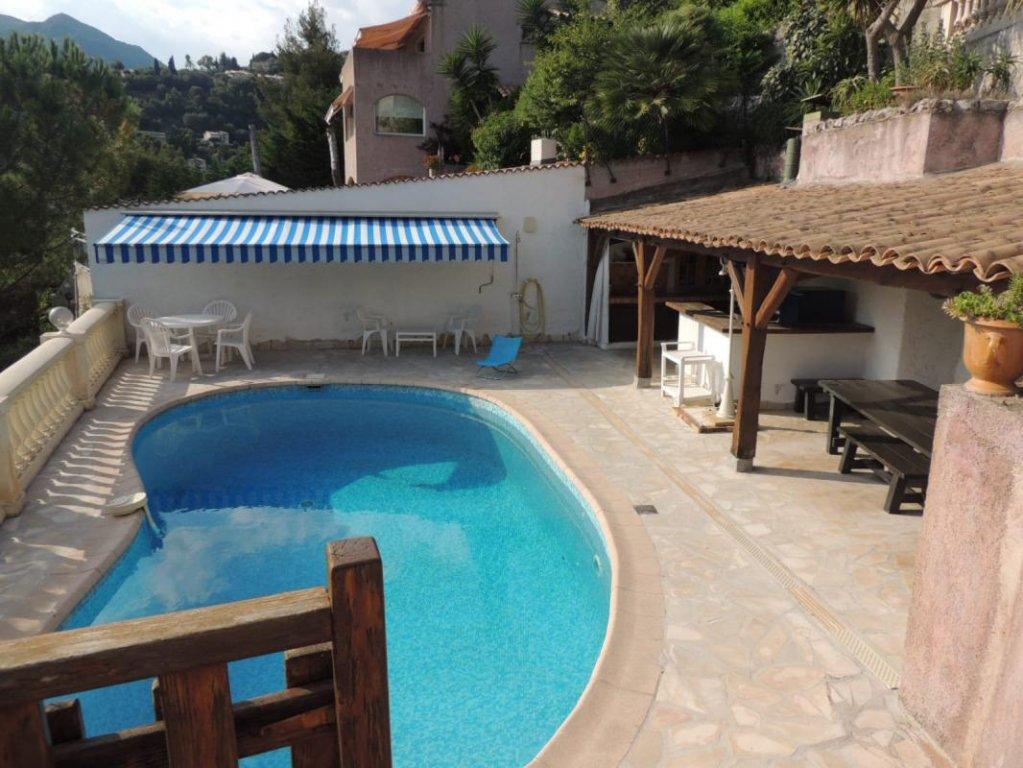 EXCLUSIF- Maison individuelle 188m2 dans un Domaine sécurisé- Piscine- Jardin- Garage- Vue mer er verdure- affaire à saisir car 3 appartements!