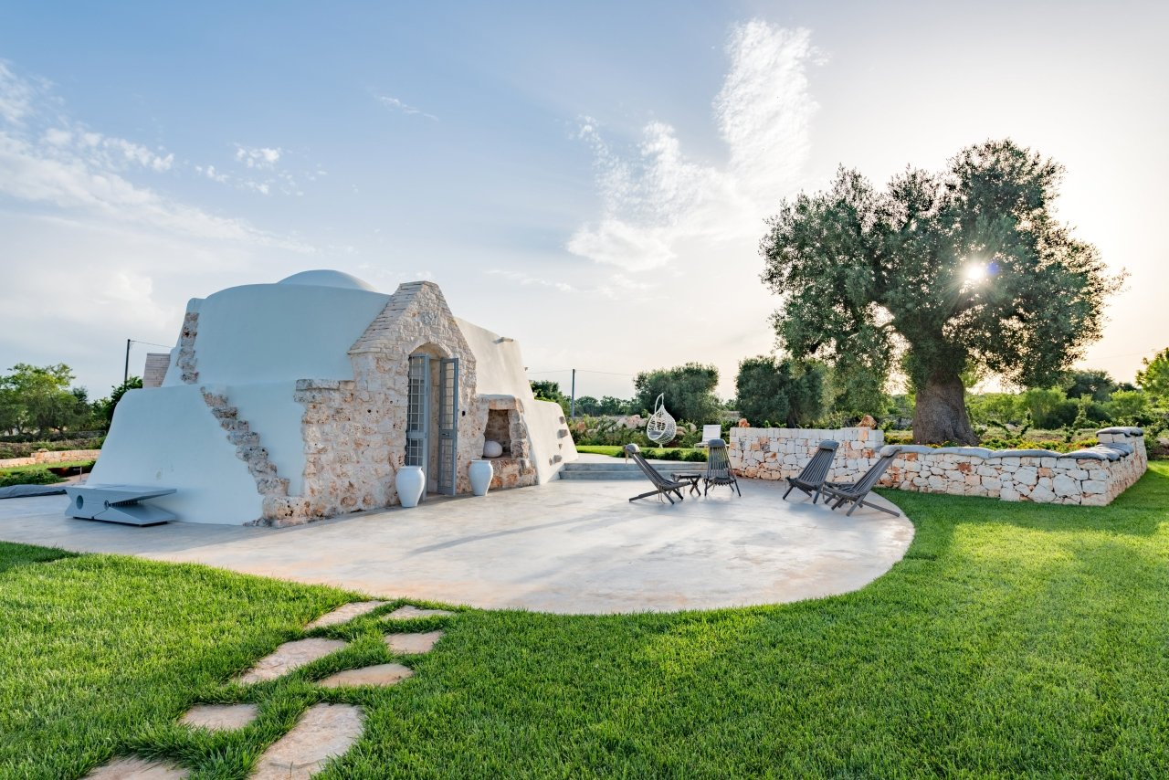 Villa with trullo in Ostuni, 5 bedrooms, swimming pool and garden