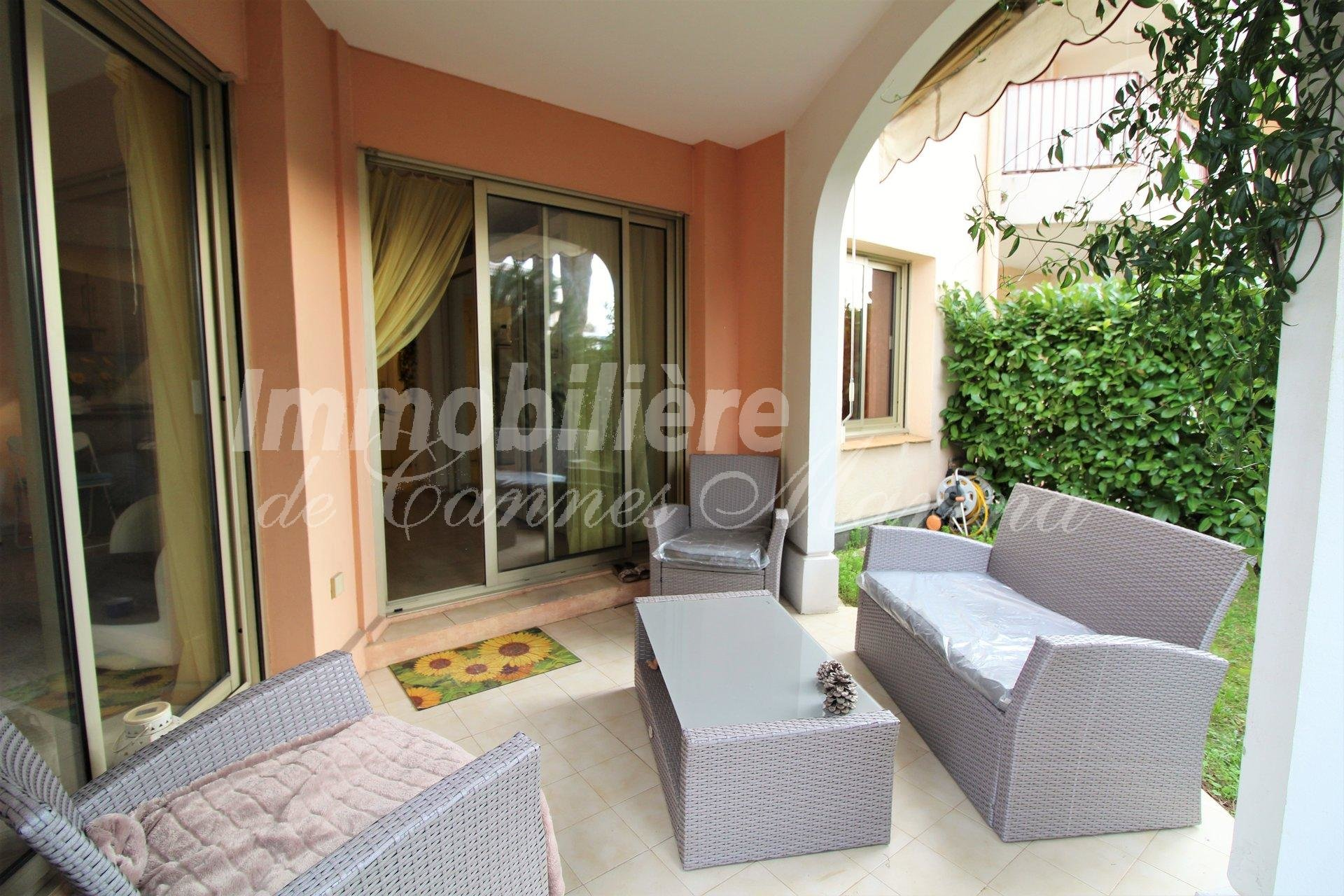 Sold rented: beautiful one bedroom apartment in a residence with swimming pool