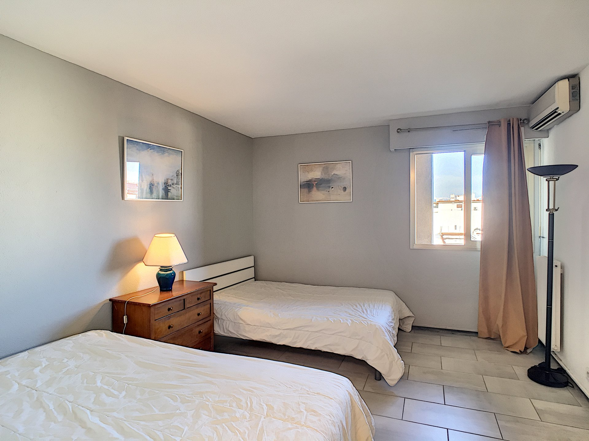 Exceptional  Juan Les Pins    Spacious 3 rooms En face  Mer