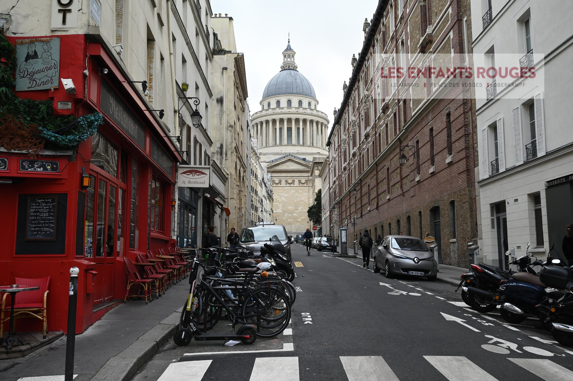 PARIS V PANTHEON  STUDIO PARFAIT ETAT