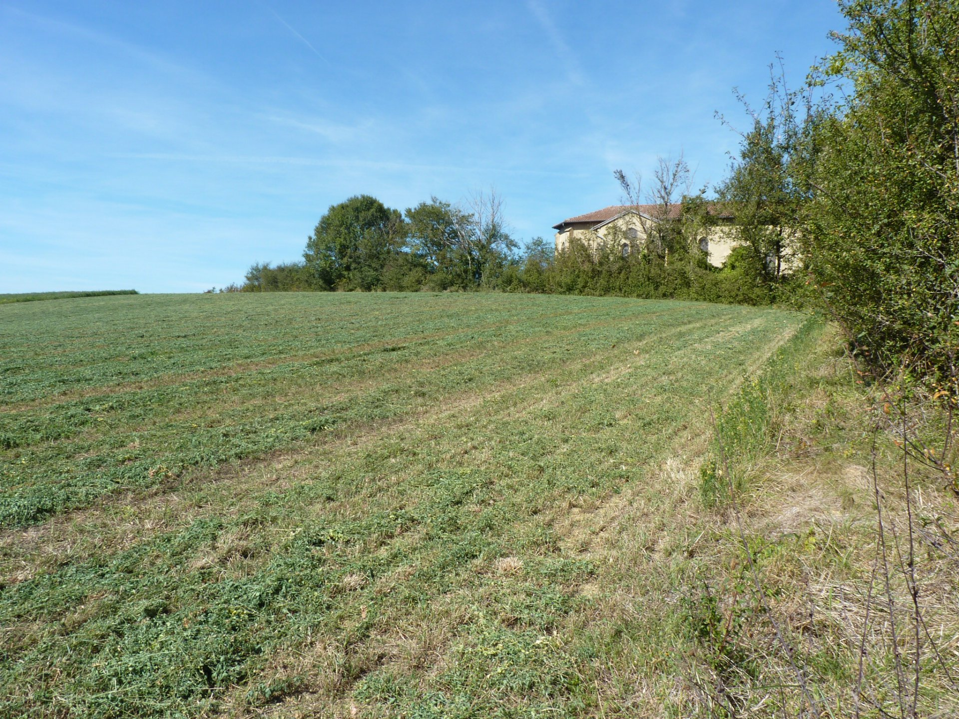 Building plot of 1872 m² near Castéra Vignoles