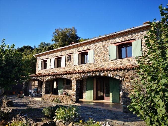 Belle maison en pierre avec vue époustouflante !