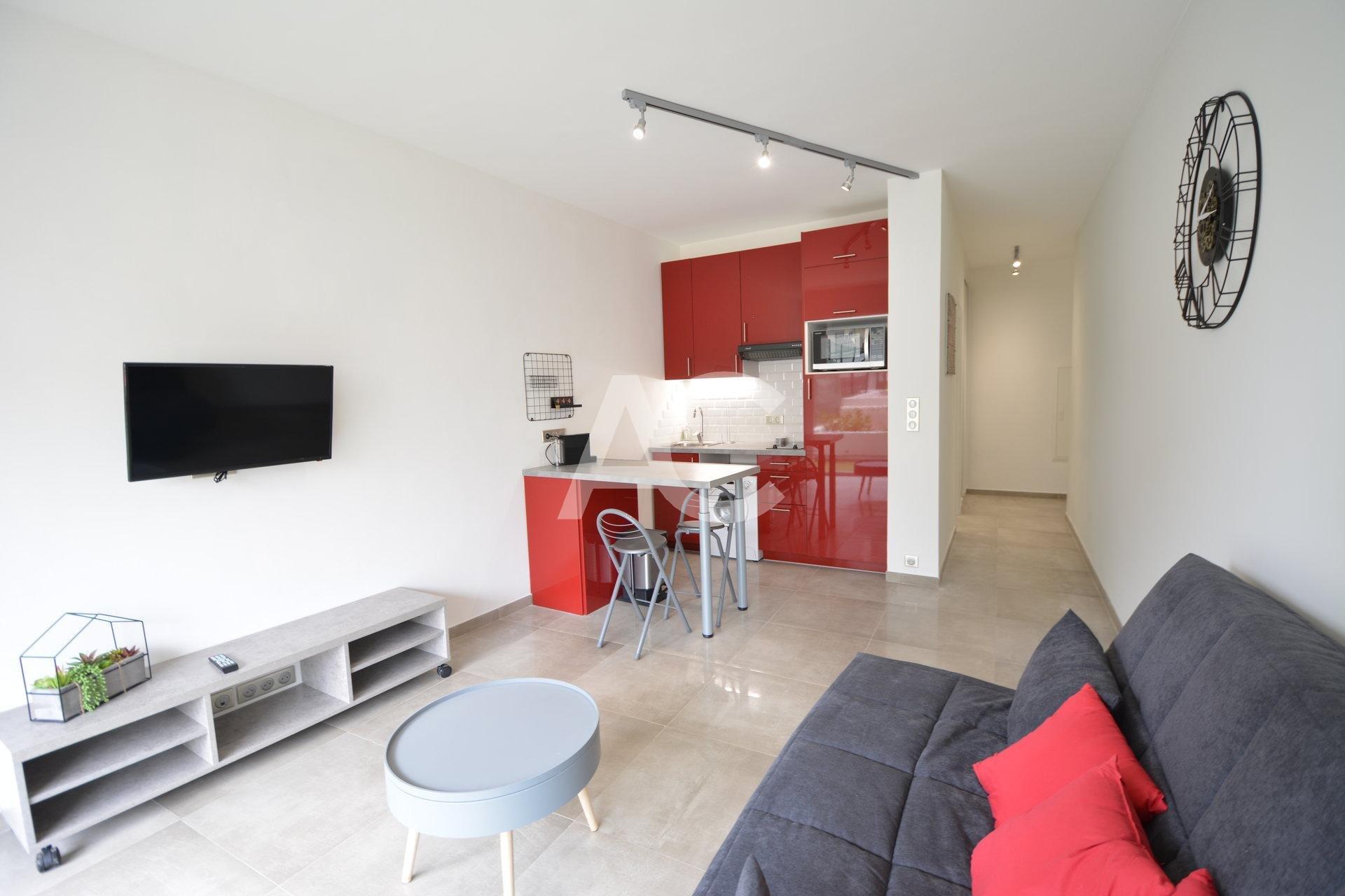 Refurbished studio in the centre of Juan les Pins