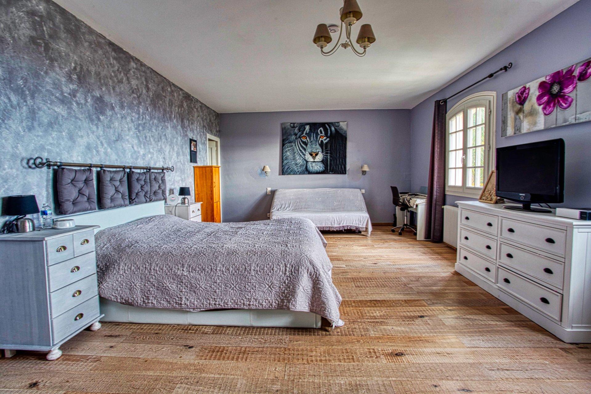 A vendre villa familiale 8P, 6 chambres ou maison d'hôtes avec vue mer et piscine