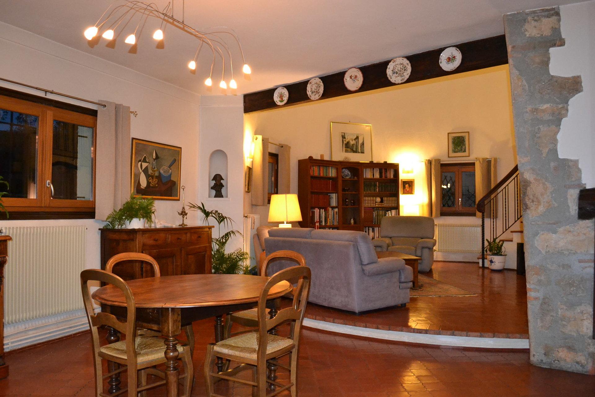 ALPES MARITIMES (06) - LEVENS -VENTE Villa architecte