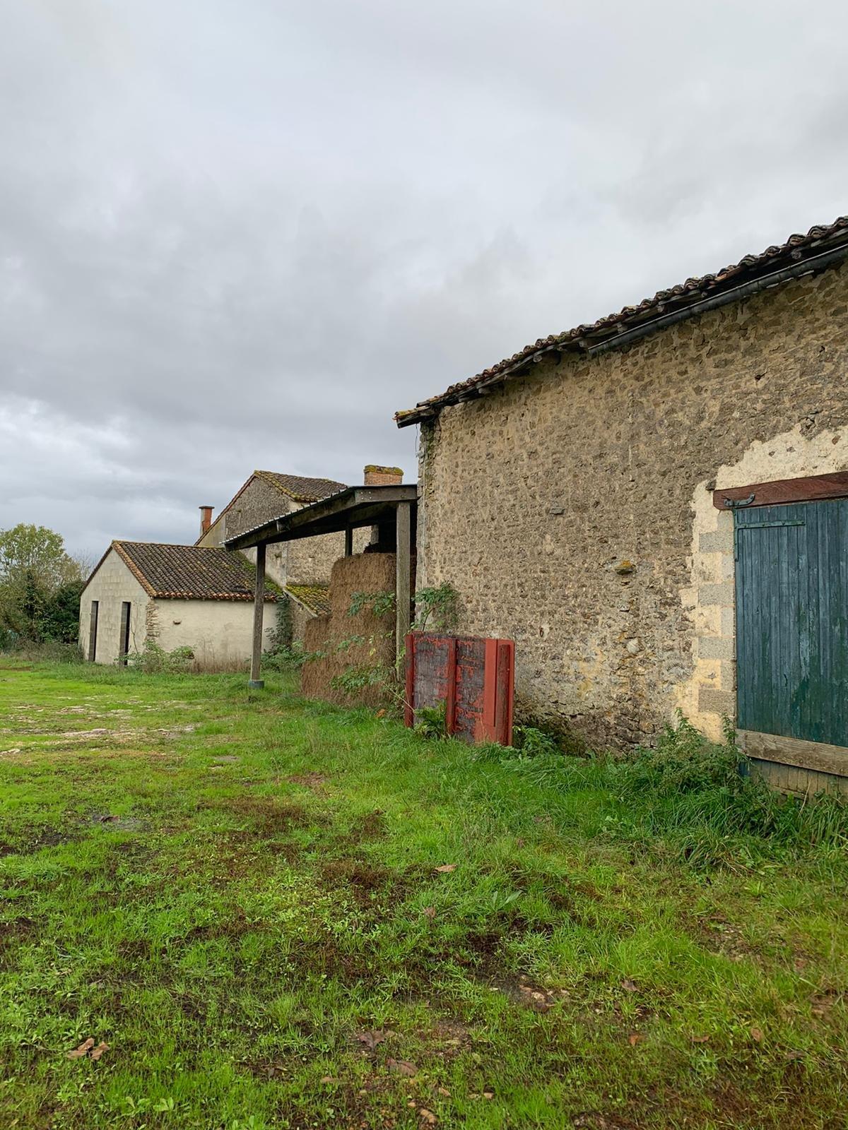 Verkauf Bauernhof - Sanxay