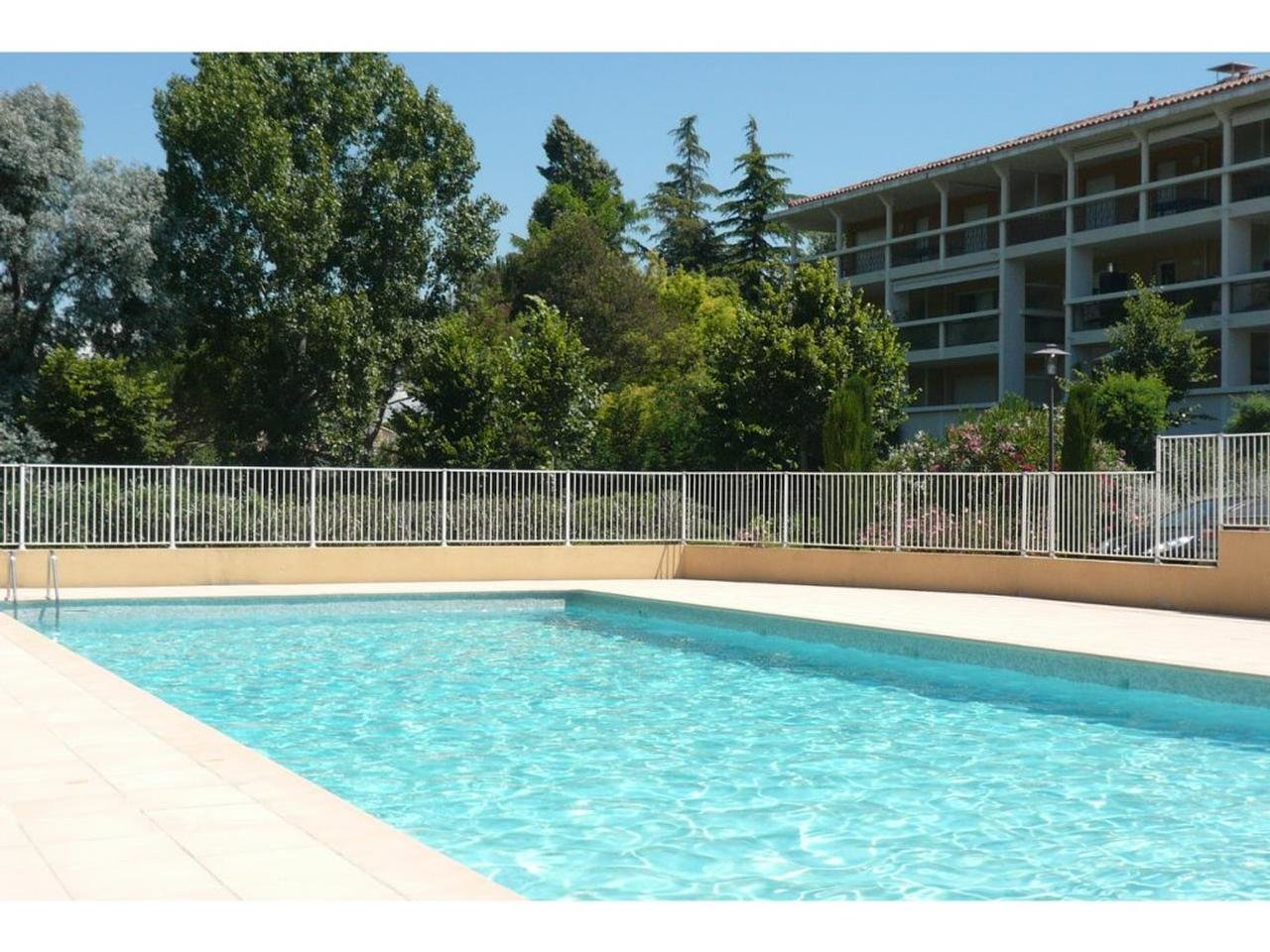 1 bed apt with terrace Cannes Croix des Gardes