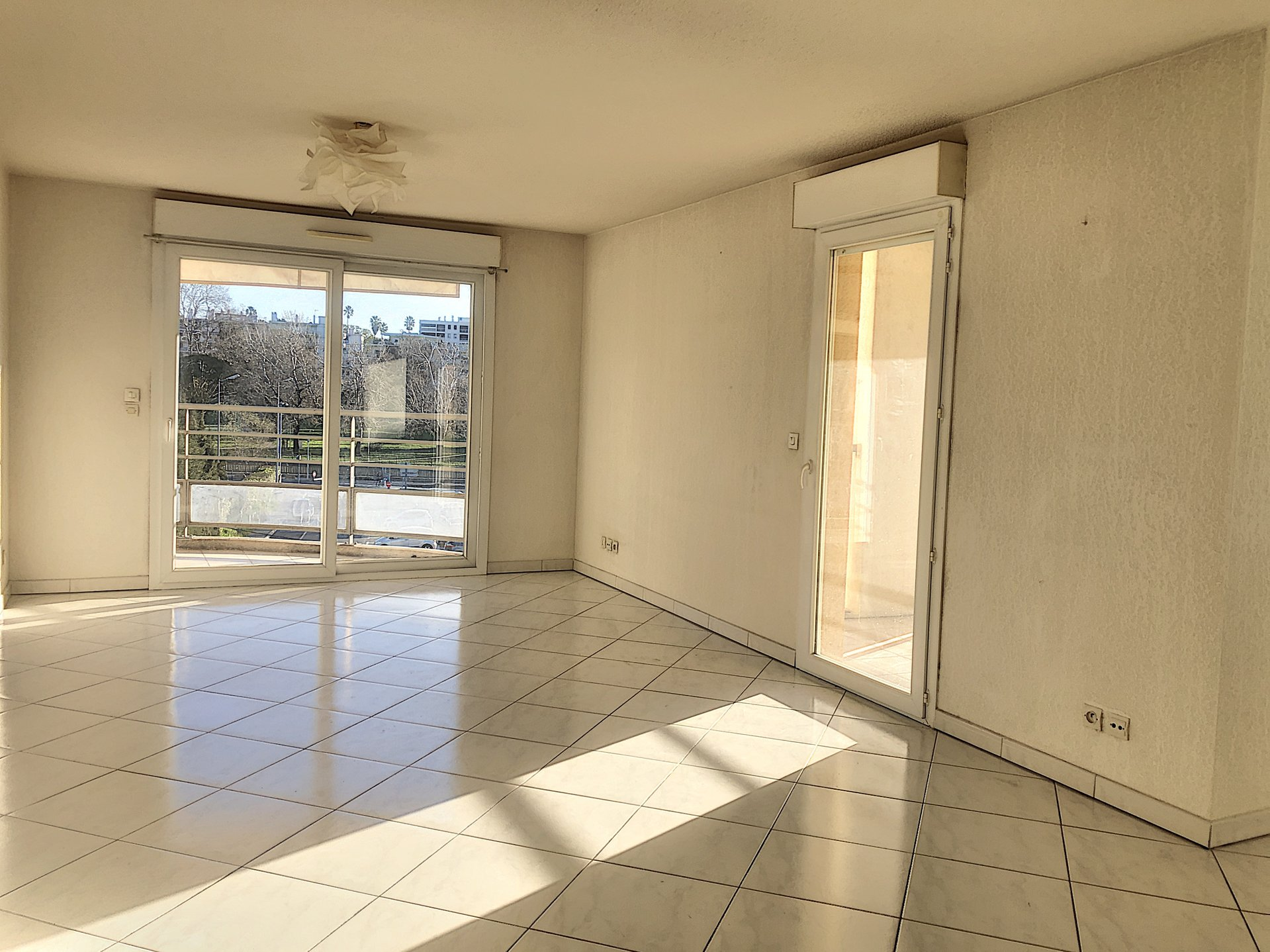 CAGNES SUR MER (06800) - Appartements 3P - TERRASSE - DOUBLE GARAGE
