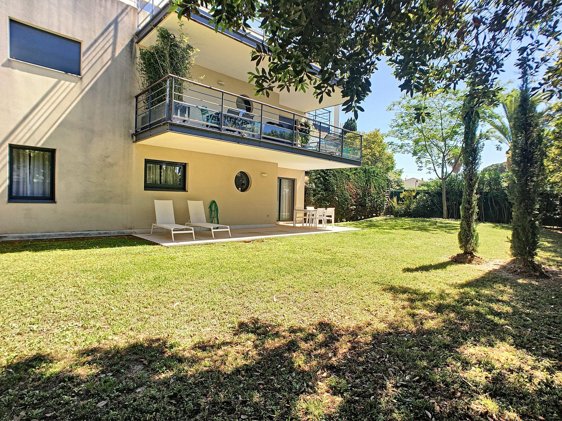 3 pièces avec grand jardin  et piscine au calme - Cannes Montfleury
