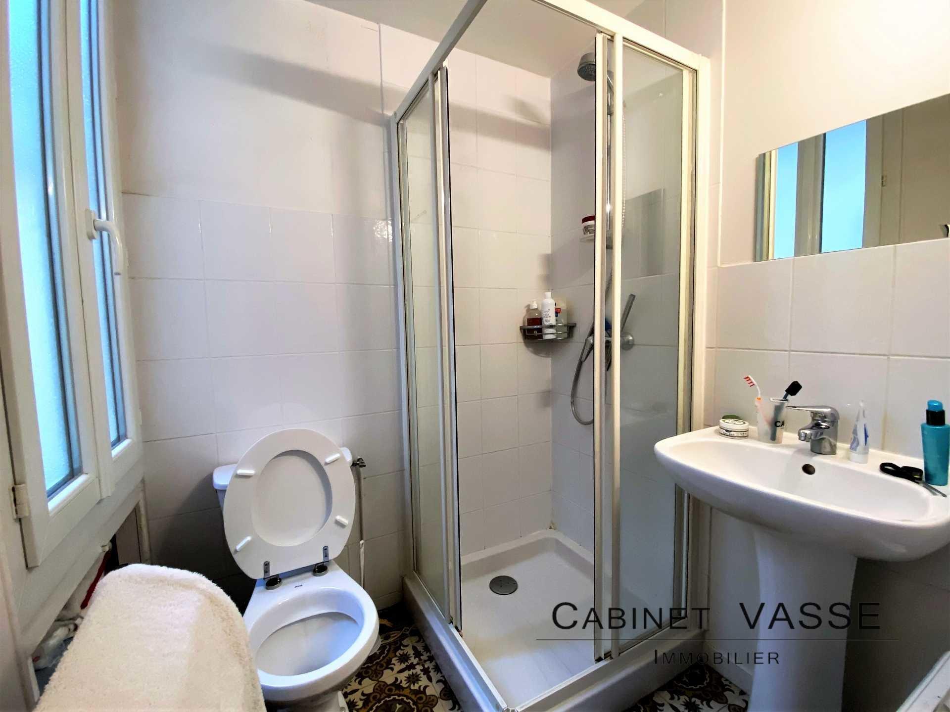 studio, salle d'eau, douche, WC, centre ancien, Caen, vasse, a louer