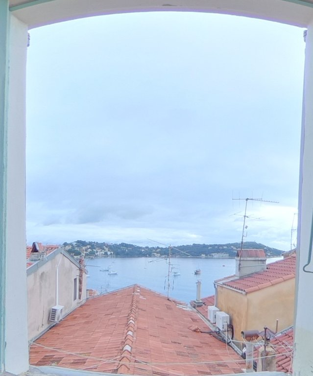 Old Villefranche sur Mer - 71m2 on top floor and sea views