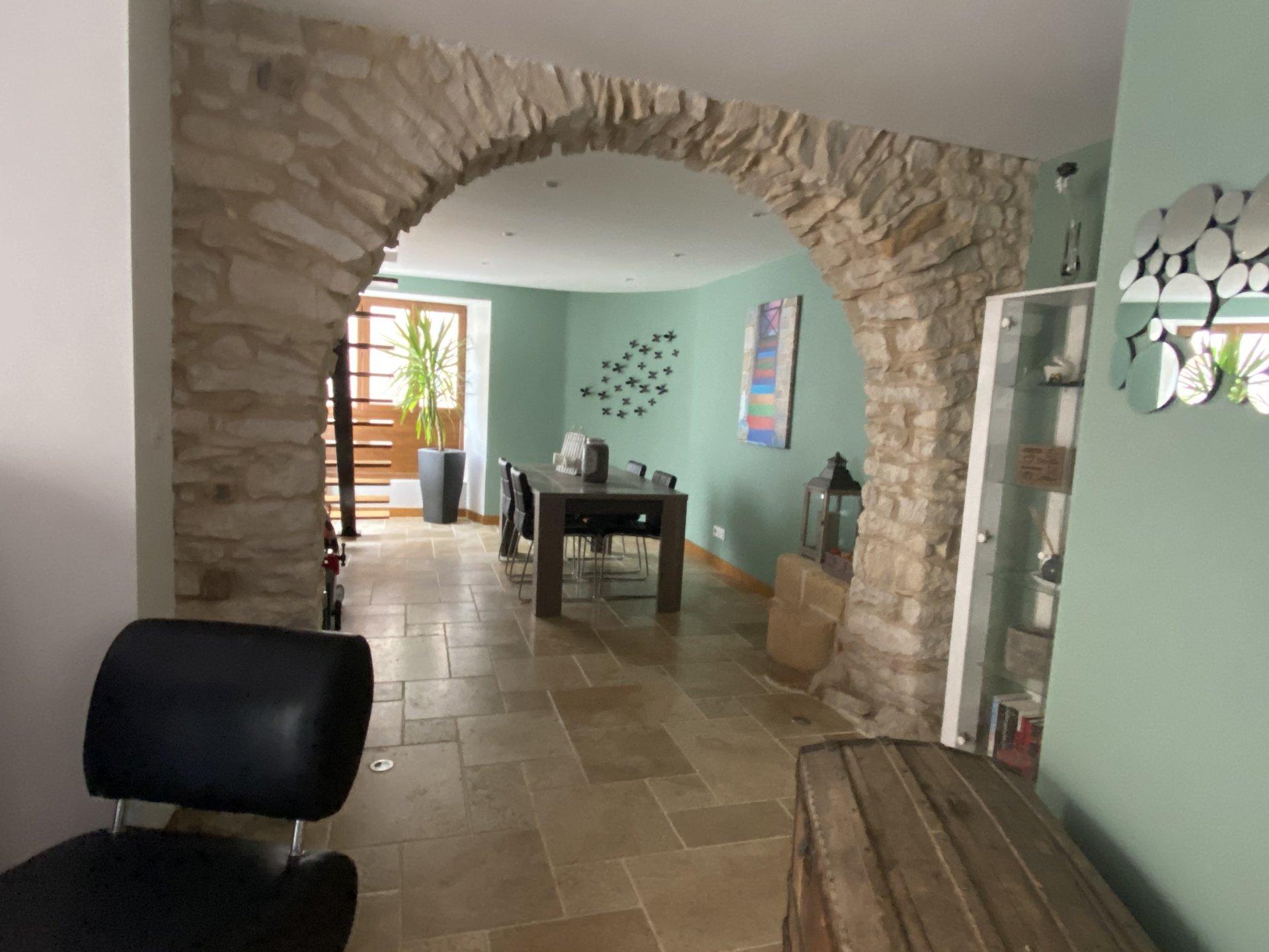 Maison en pierre 120m2 + terrasse