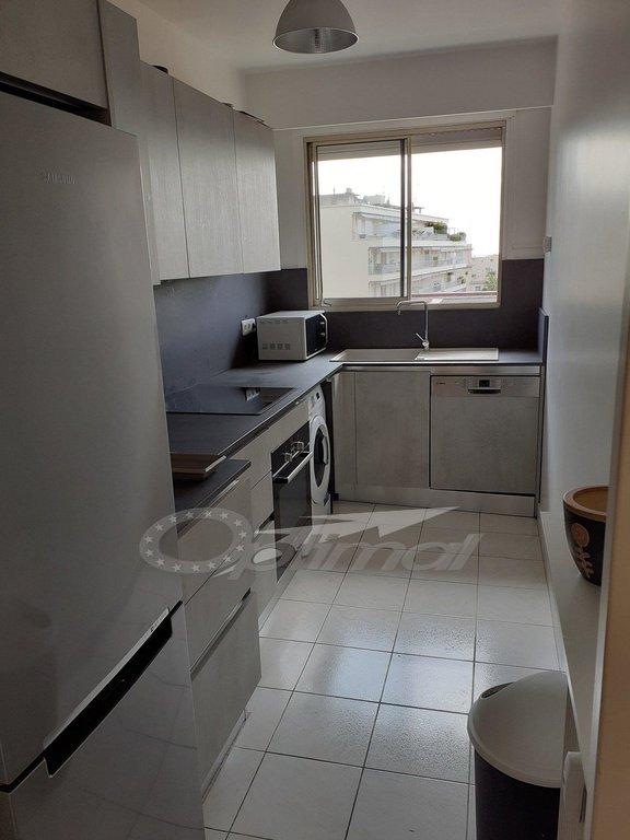 Superbe 2P 48.54m² Dernier étage + balcon 10.02m²