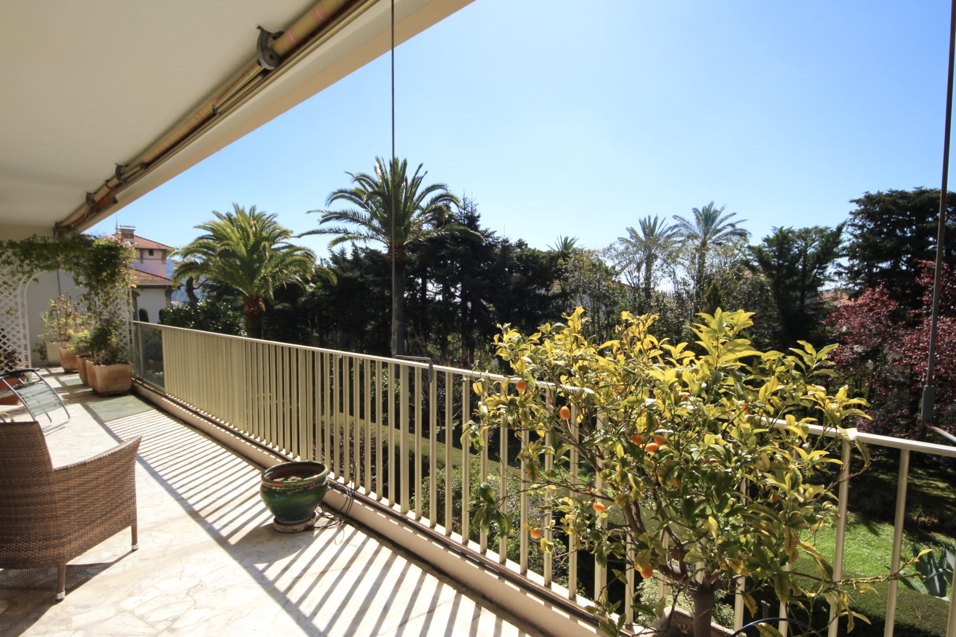 Cannes Petit Juas Large 3-bedroom apartment of 110 sqm Terrace and Garage