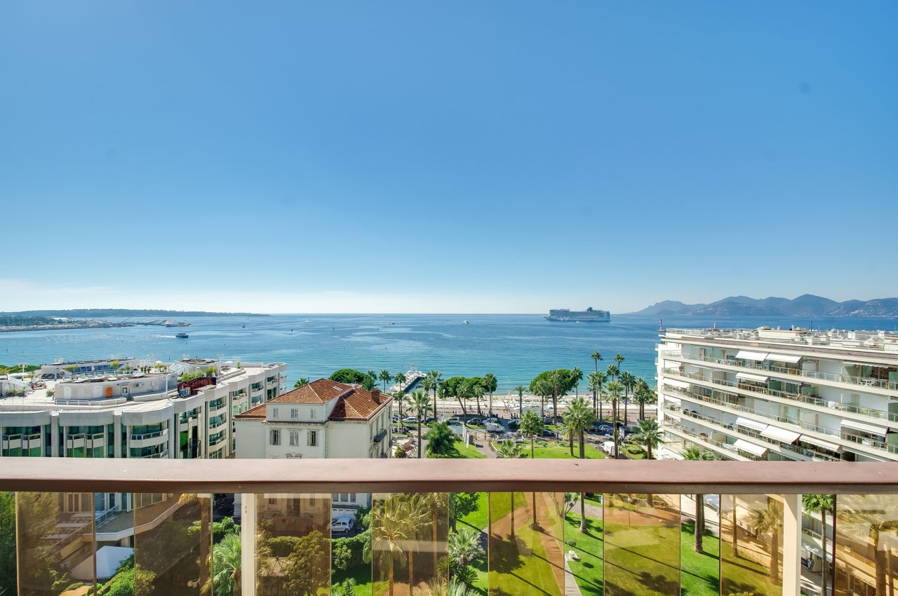 LUXURY APARTMENT CANNES CROISETTE