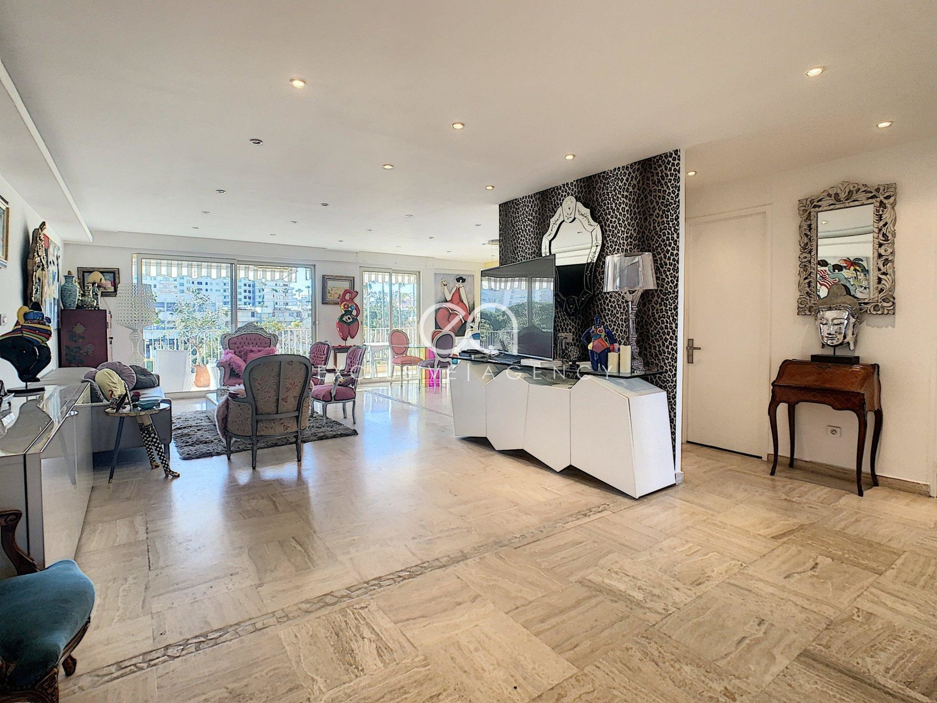 Cannes vente luxueux 4 pièces 87,90m² avec profonde terrasse