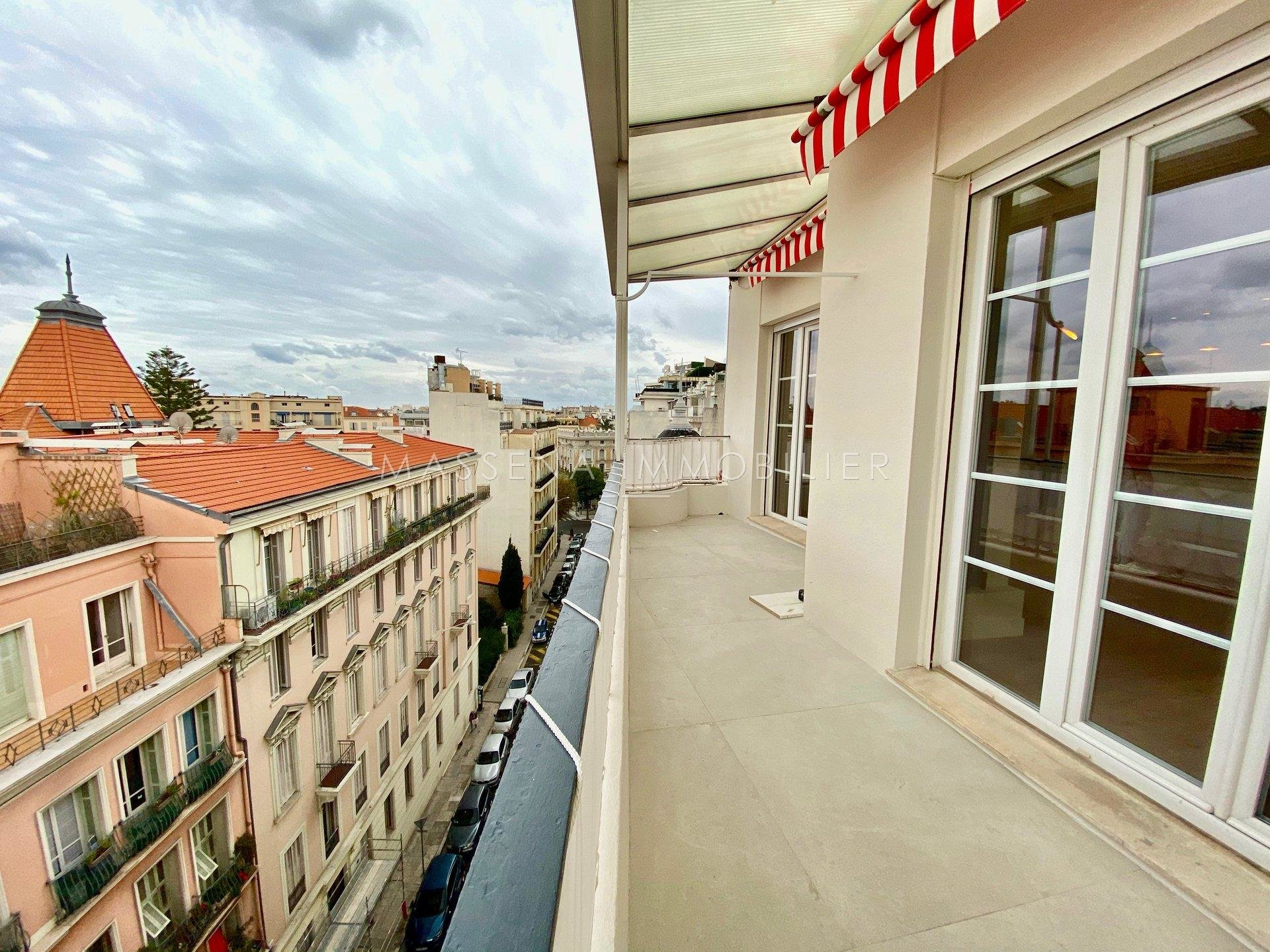 Nice Musiciens - Top floor 2-bed apartment with terrace