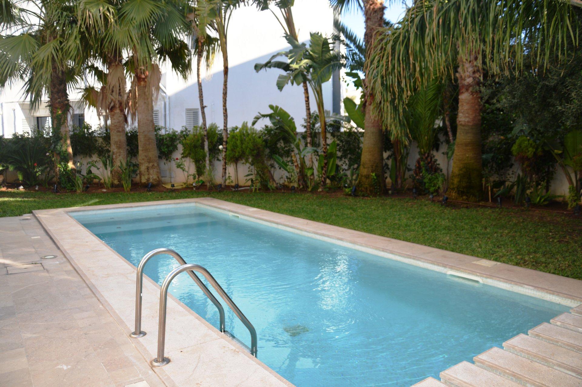 Luxueuse Villa avec piscine Lac 2
