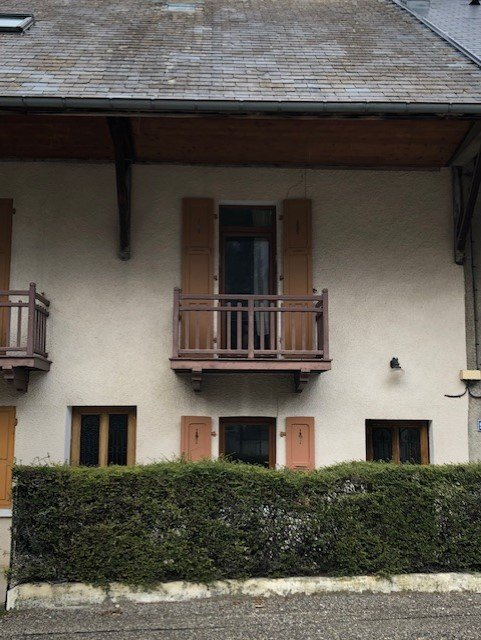 APPARTEMENT T3 A RENOVER