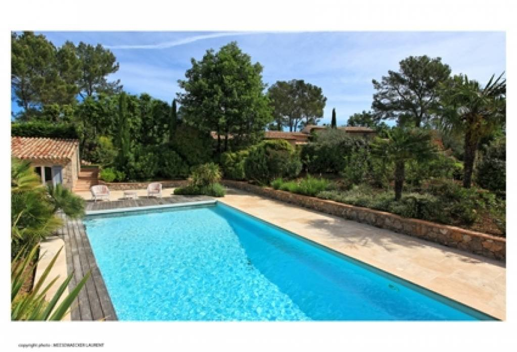 Saint Paul en Forêt Lot of charm , property with 8 bedrooms