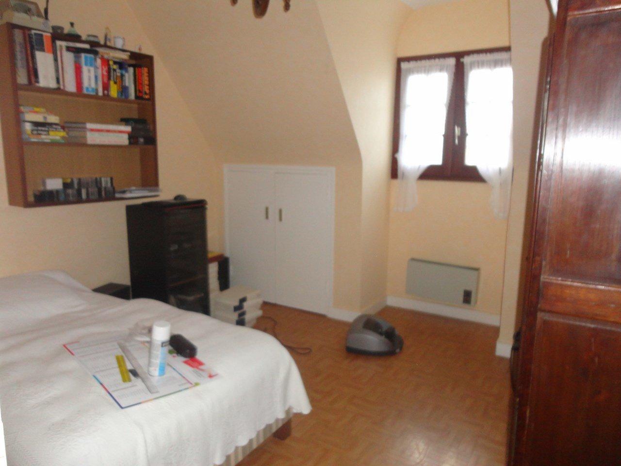BREST/ST PIERRE, maison T6 sur environ 200 m²