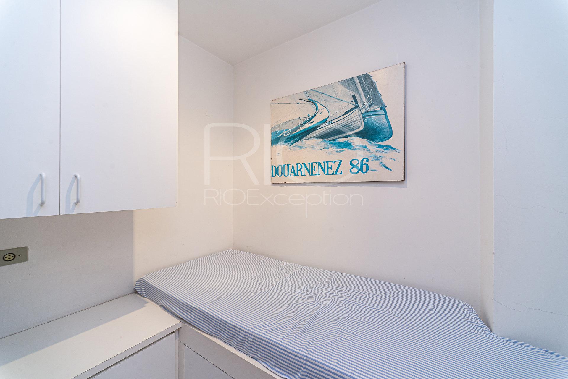 Beautiful apartment front of the sea 181 m2 - LEME / COPACABANA