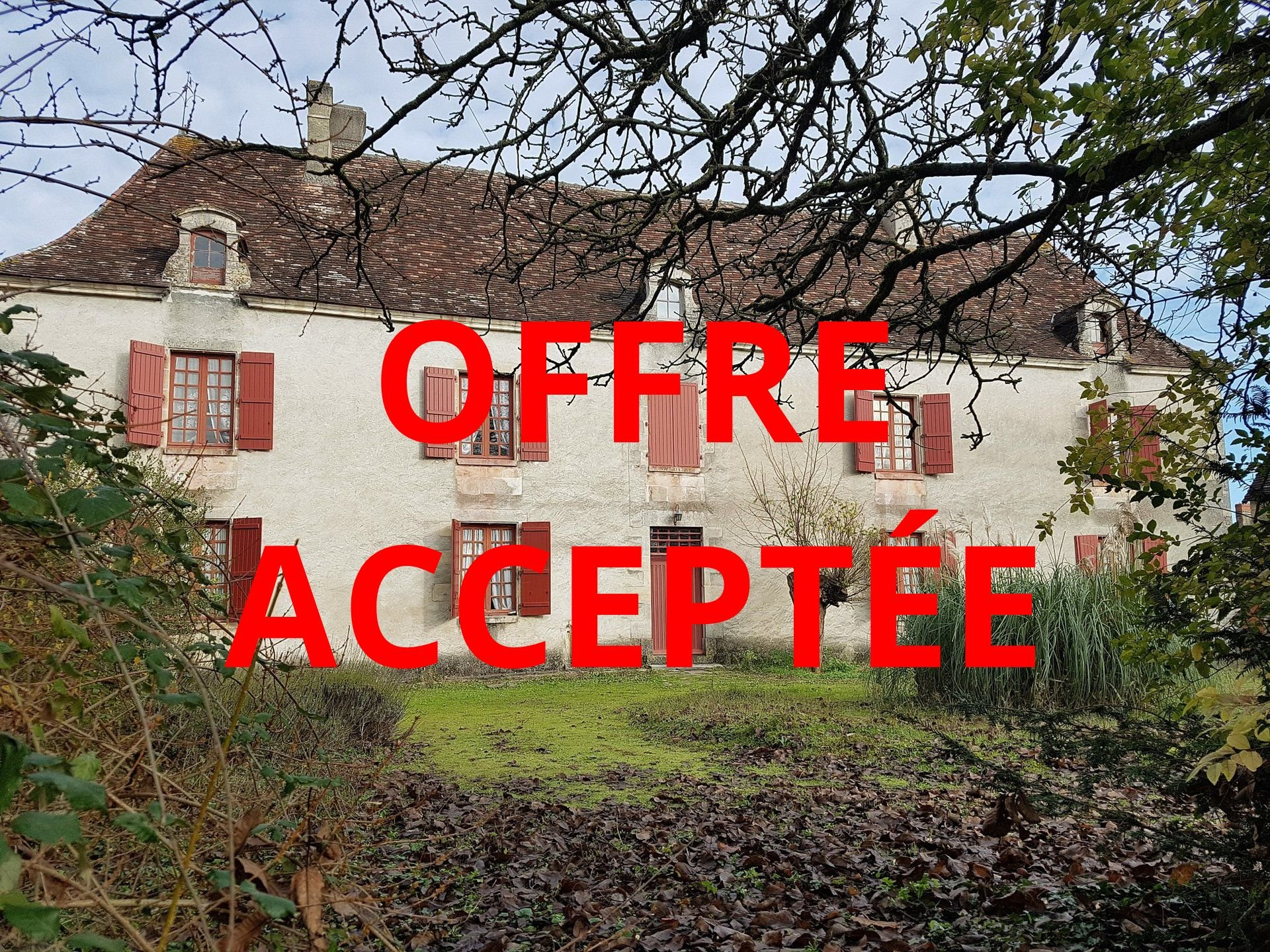 Bij Saint Savin, Vienne 86: landgoed met ruim 1 ha grond