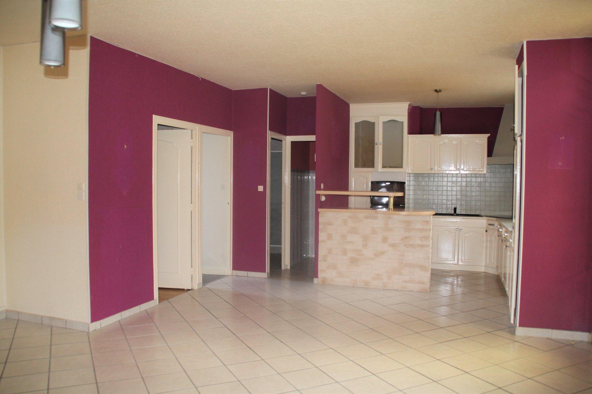 Appartement 80m² avec garage, caves et grenier