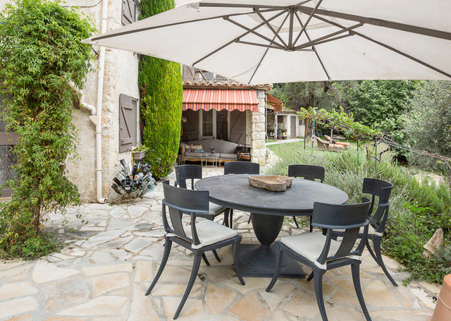 Renovated secluded farmhouse with magnificent views Bar sur Loup