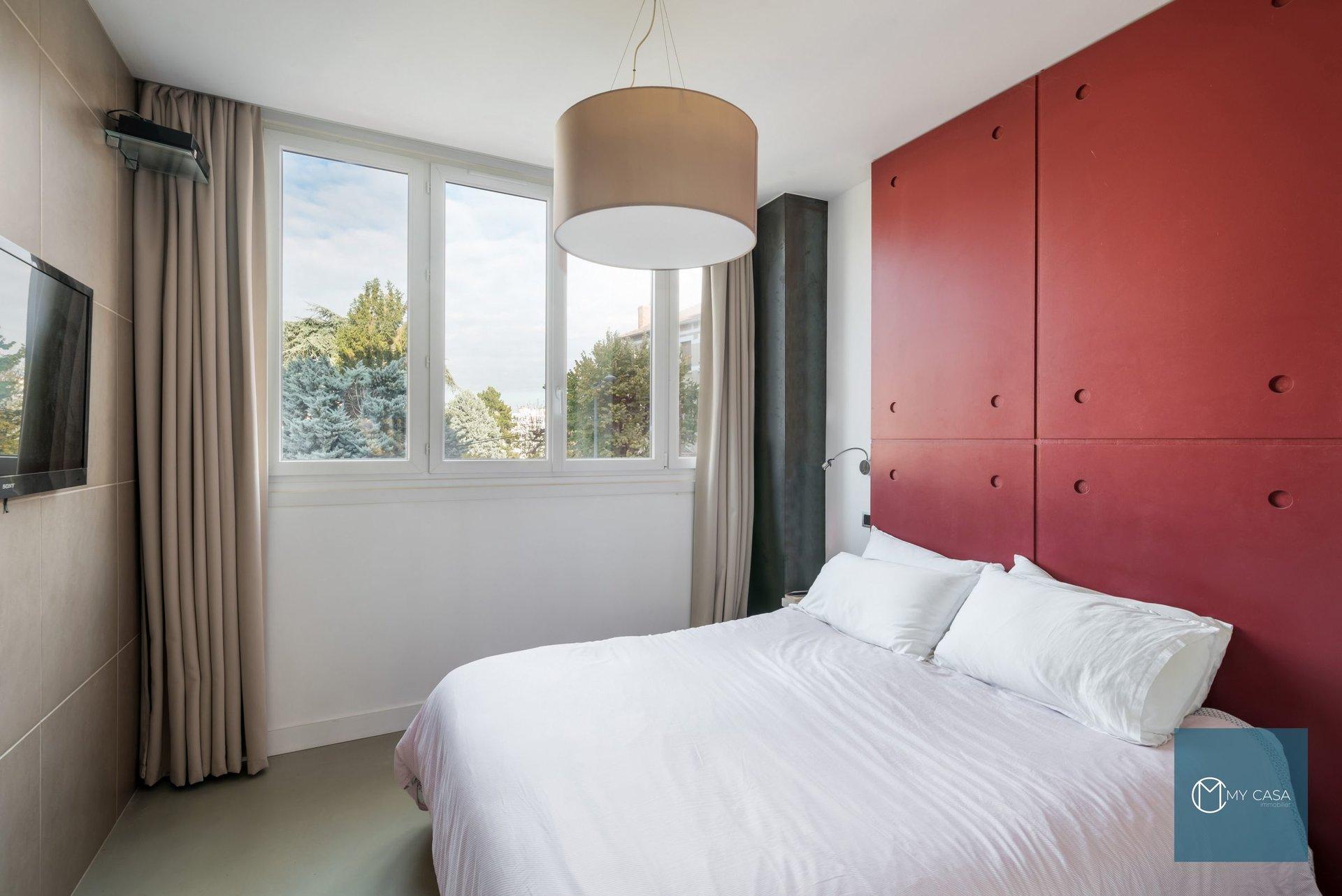 POINT DU JOUR - LOFT de 110 m2 avec Parking