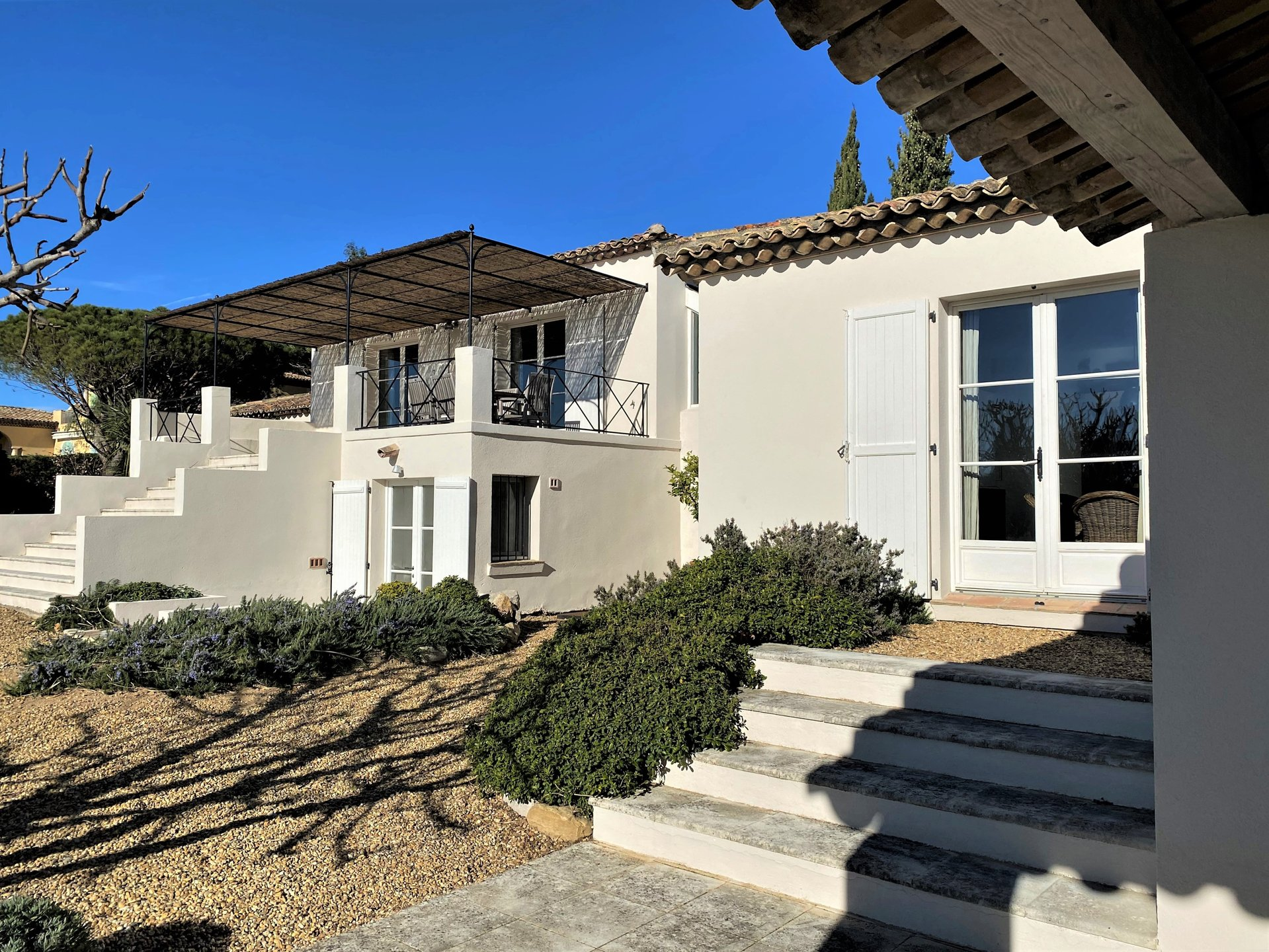 Superb villa in secured domain, nice sea view