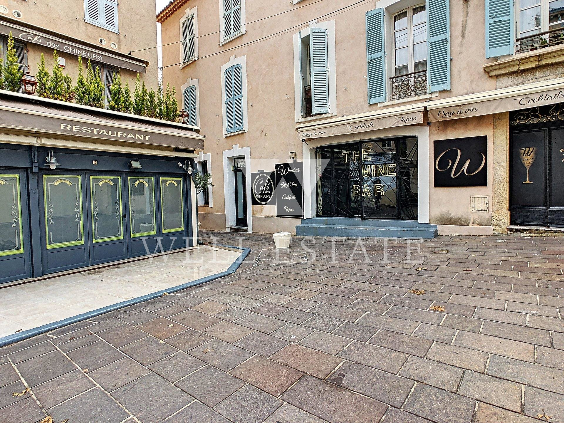 OLD ANTIBES COMMERCIAL PREMISES 185M2