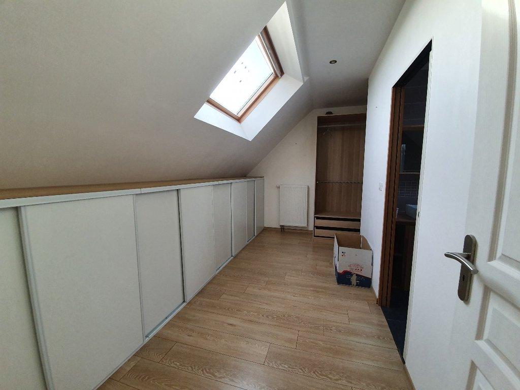 Longère de plus de 200 m² hab avec de beaux volumes-terrain de 4286 m² avec de grandes dépendances