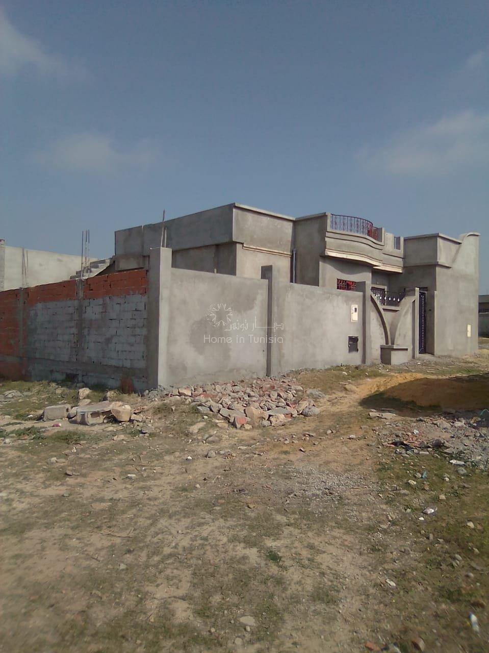 A vendre maison de campagne en cours d'achèvement construction