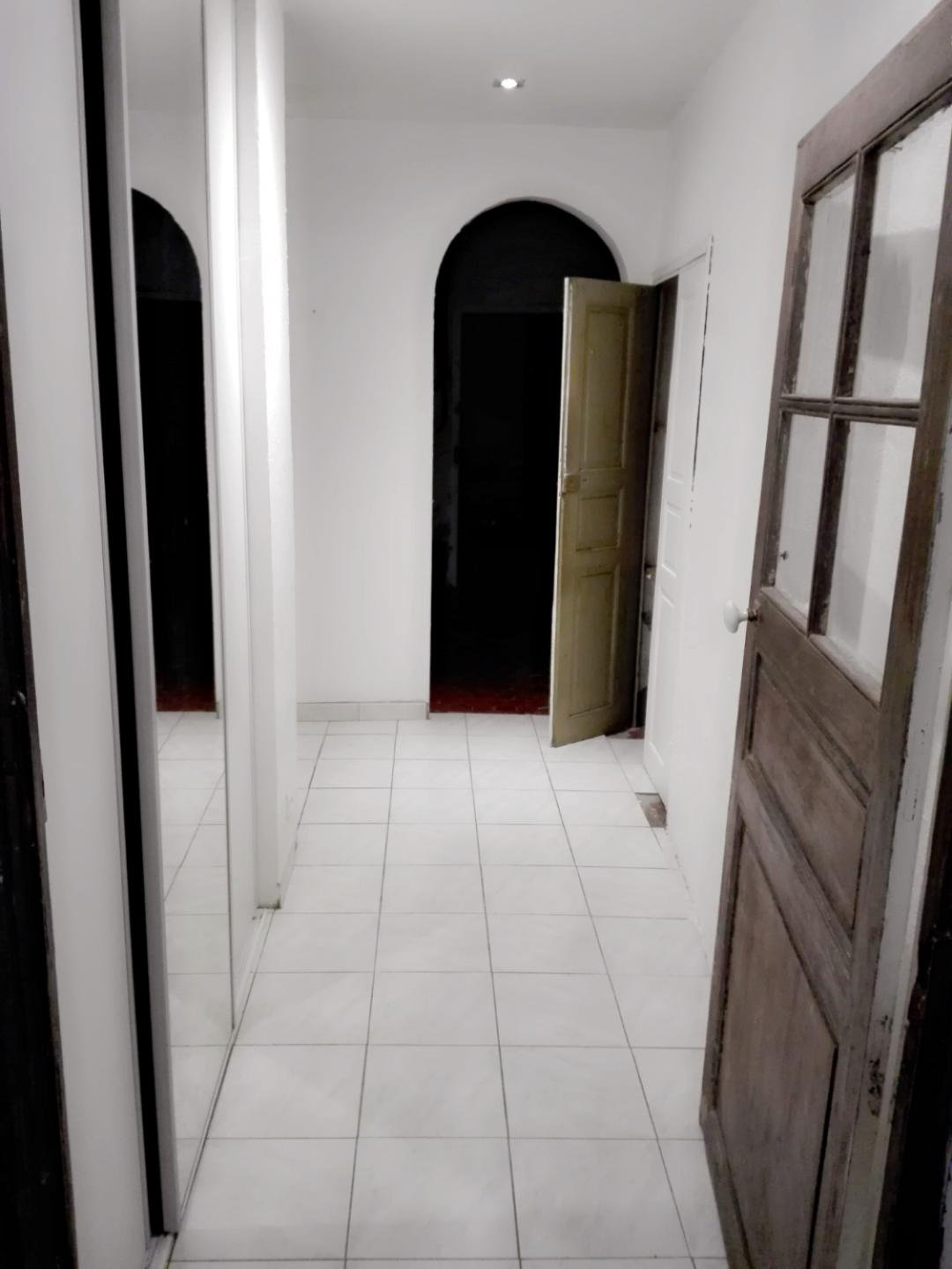 APPARTEMENT 100 m² A RENOVER