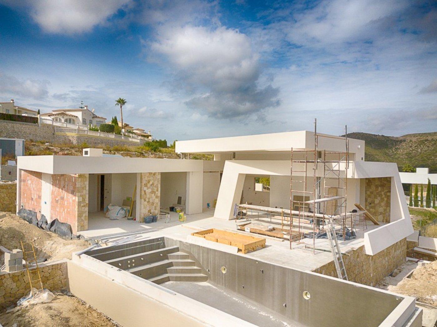 Grote villa van uitstekende kwaliteit met uitzicht op zee