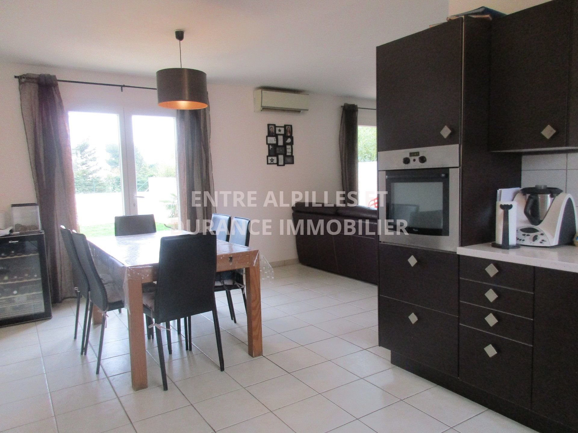 EXCLUSIVITY CHATEAURENARD villa with swimming pool.