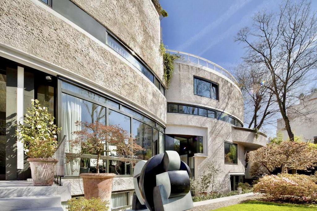 Sale House - Paris 16th (Paris 16ème) Auteuil