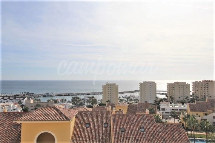 Duplex Penthouse in the port of Estepona