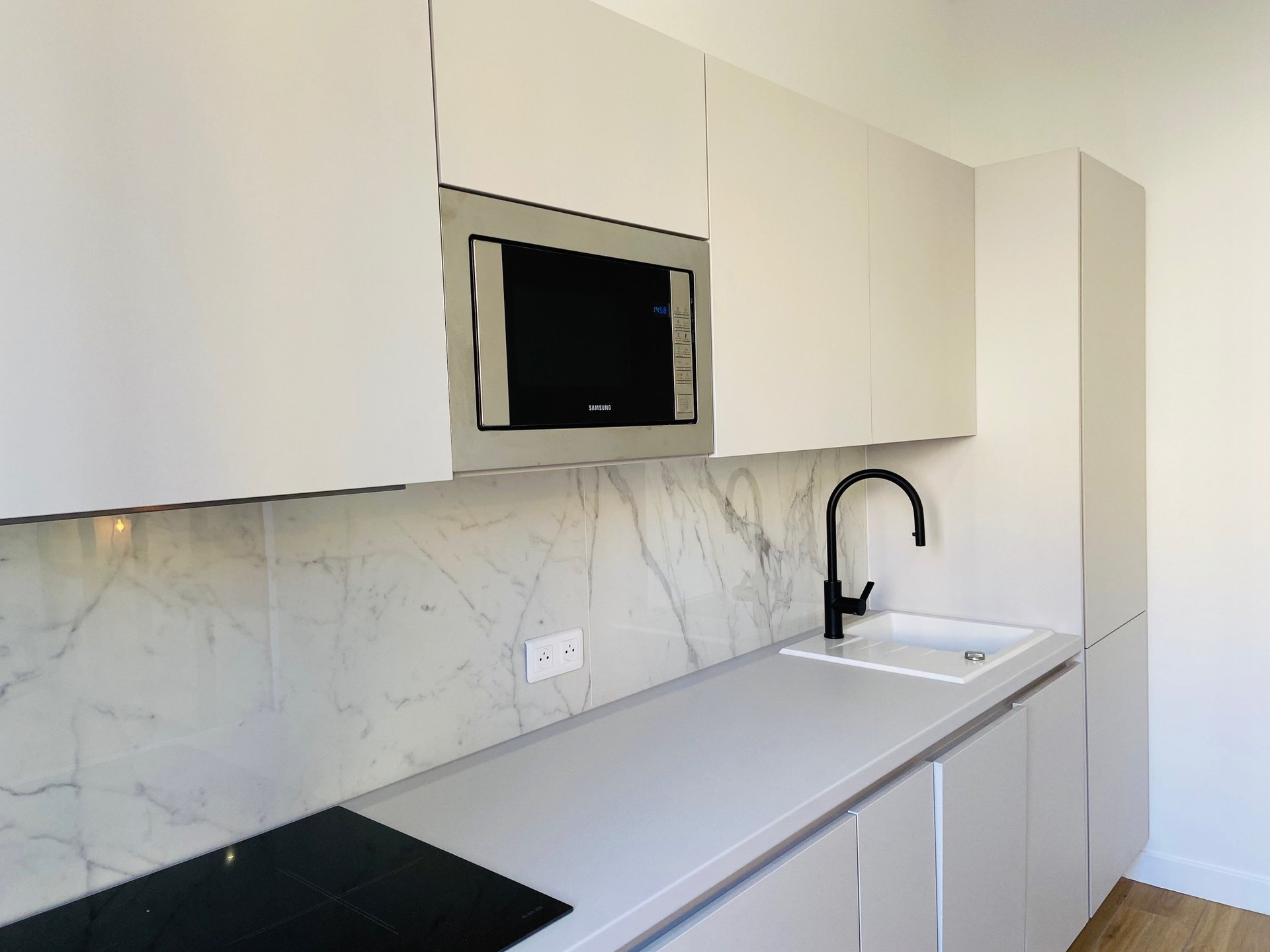 1 BEDROOM APARTMENT WITH TERACE