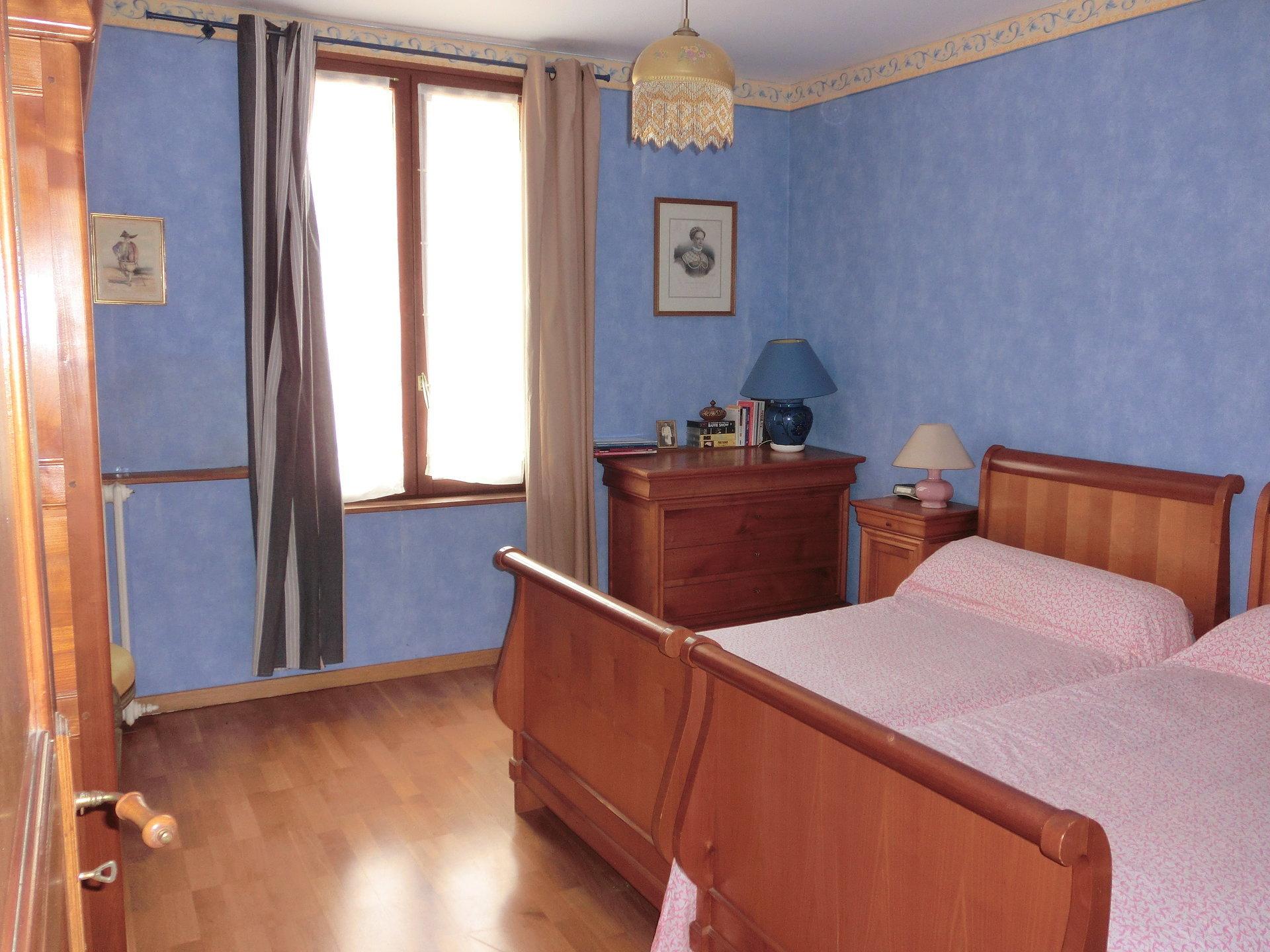 Maison de ville- 335 000 € FAI