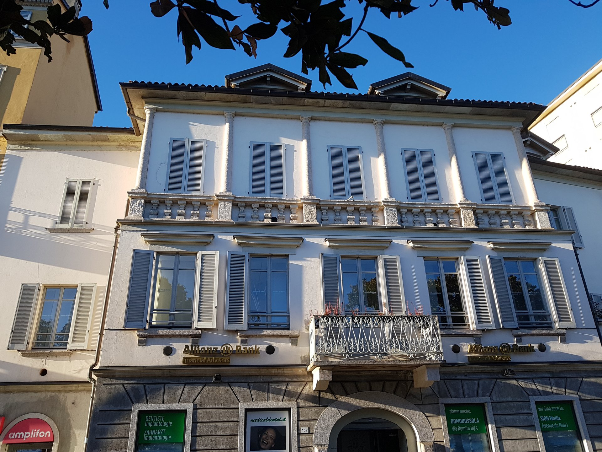 Renovated apartment for sale in Verbania in front of Lake Maggiore - facade