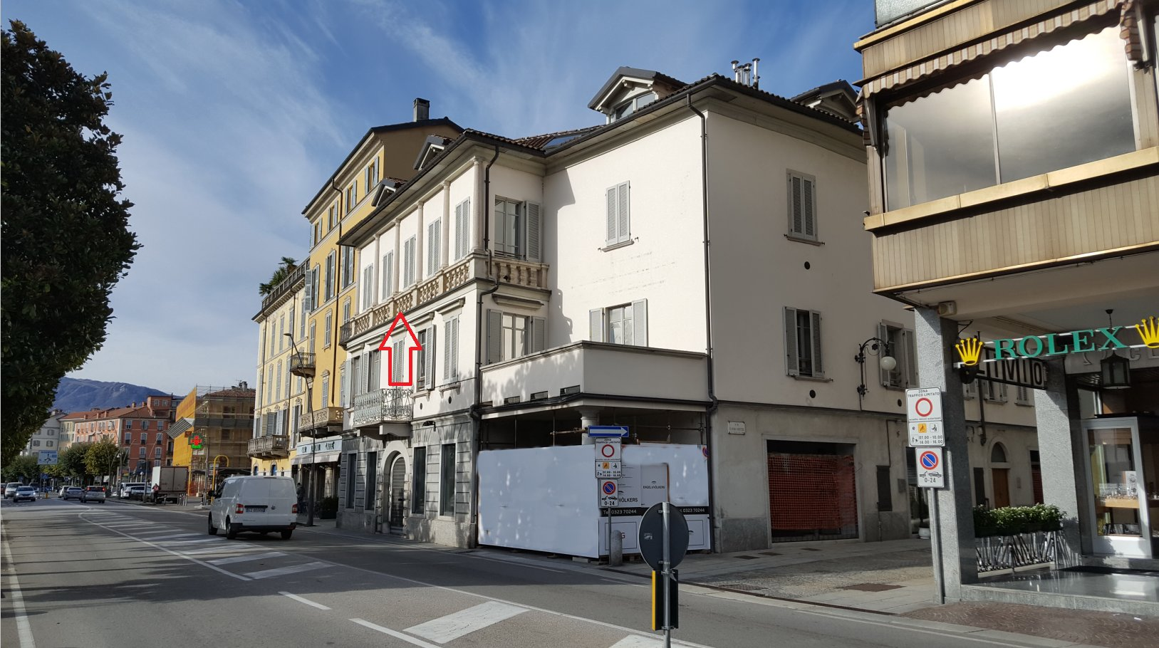 Renovated apartment for sale in Verbania in front of Lake Maggiore Lake - building outside